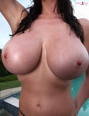 Lana Kendrick Best Wet Boobs Pictures - 05